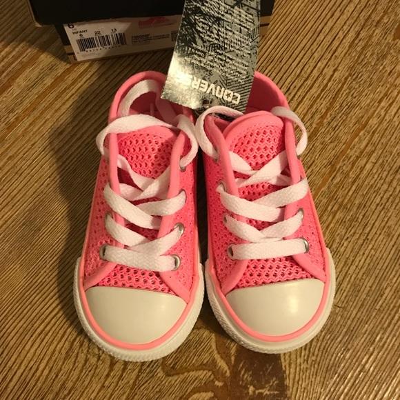 NWT🎉HP Little Girls Converse Pink Chuck c8863dbb2